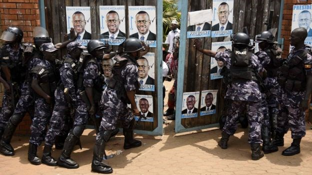 Police raided the opposition headquarters ahead of a planned press conference