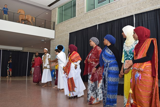 Living in Ottawa, some young Somali Canadians lose touch